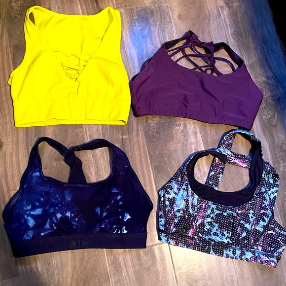 Women's sports bras bundle
